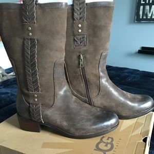UGG Shoes - UGG W Jaspan leather boot New in box US SZ 9 EU 40